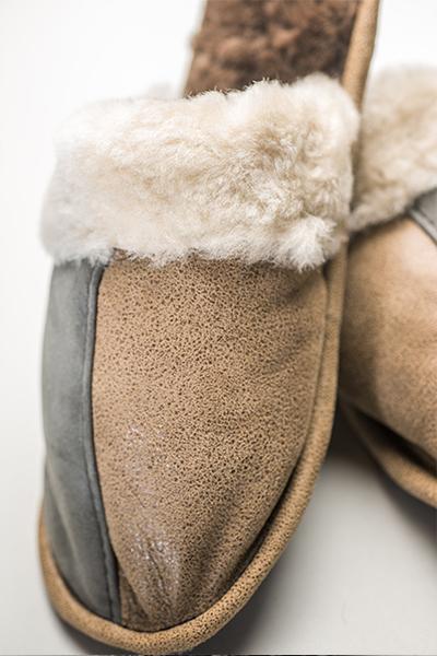 Papuci de casa pentru barbati confectionati din blanan naturala de miel nappa