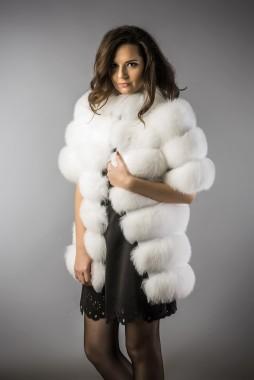 vesta din blana de vulpe polara alba (2)