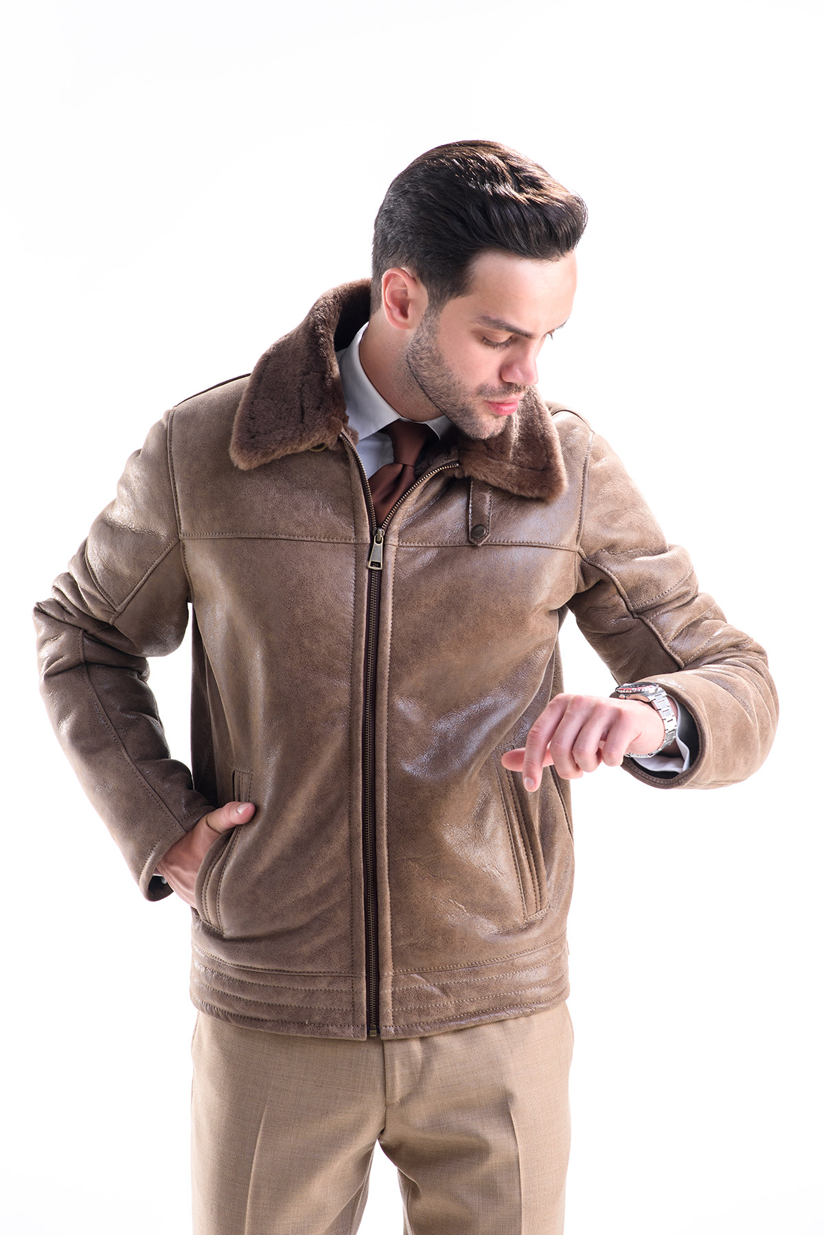 Geci dama si jachete barbati pentru intreaga familie. Glittio are veste, jachete si geci pentru toata familia ta. Cumpara simplu si rapid de pe Glittio cele mai frumoase geci de toamna si iarna pentru sotul sau sotia ta si pentru copiii tai.